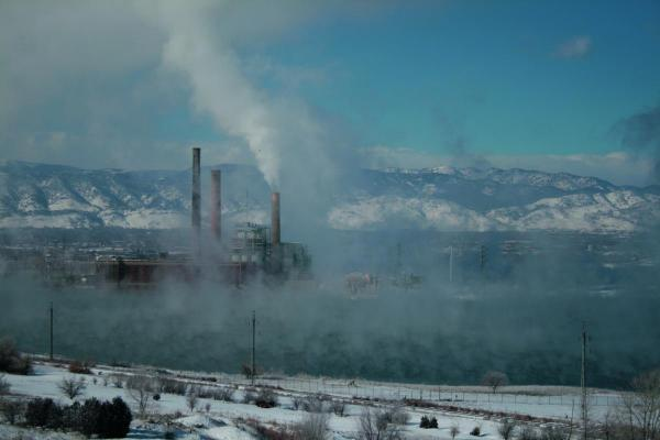 Fight over us epa air pollution rules airclim for Pollution fighting plants